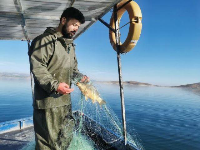 Koronavirüsten kaçtı, balıkçı oldu