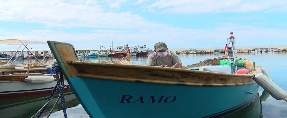 """Marmara'daki müsilaj balıkçıları erken paydos ettirdi; """"Beş aydır evlerine ekmek götüremiyorlar"""""""