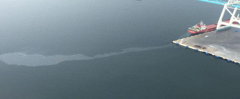 İzmit Körfezi'ni kirleten gemiye 1 milyon 197 bin lira ceza