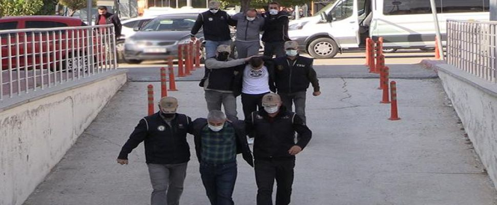 Konya'da çöp konteynerindeki patlamaya ilişkin yakalanan 3 zanlıdan 1'i tutuklandı